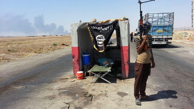 داعش له بازگهیهكى وههمیدا سێ هاوڵاتیى مهدهنى كوشت