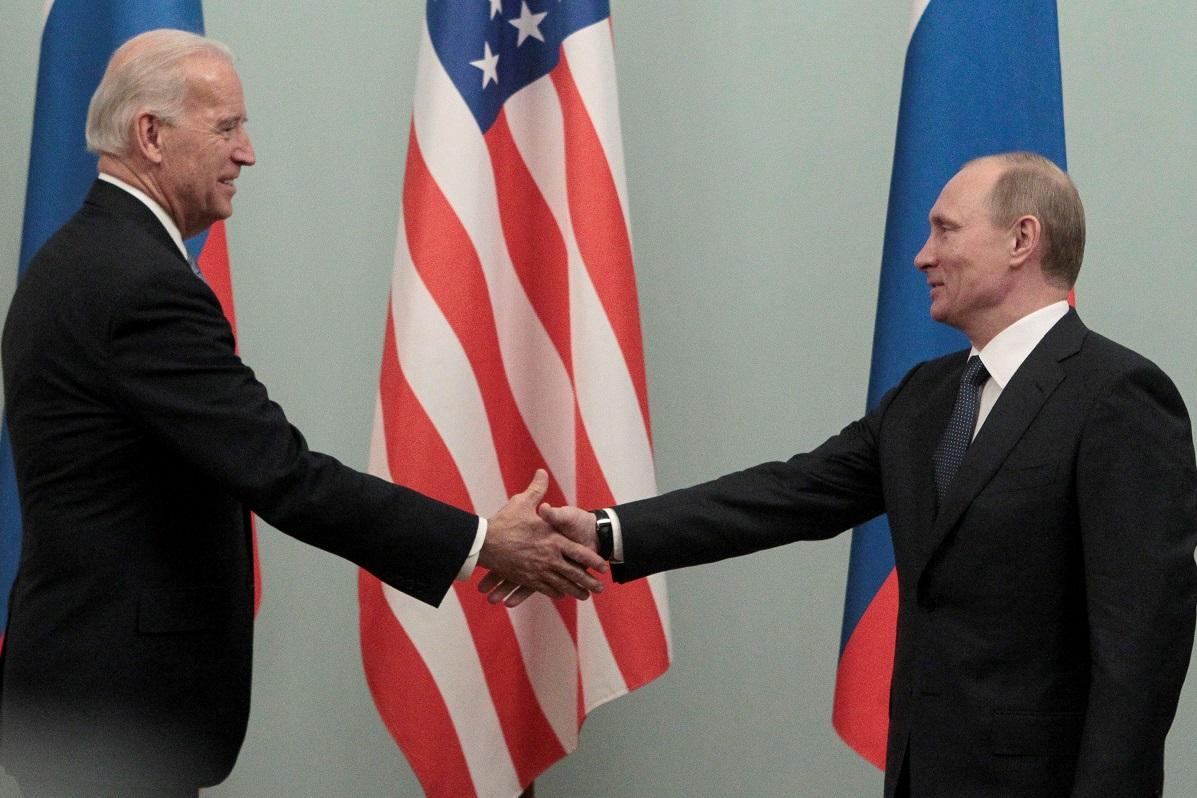 بایدن: لەگەڵ پۆتین باس لە پێشێلكارییەكانی مافی مرۆڤ لە روسیا دەكەم